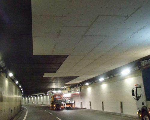 Pose Plaques Coupe Feu Dans Un Tunnel