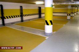 Revêtement De Sol Et Signalisations Horizontales Dans Un Parking